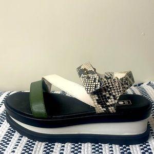 Sol Sana platform shoes